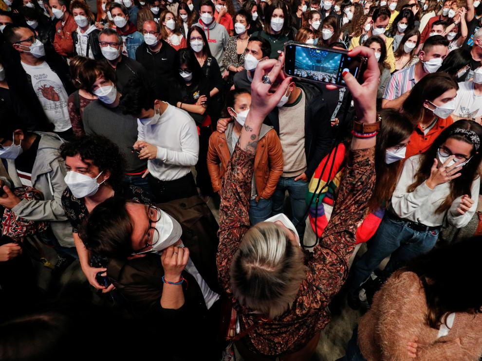 Concierto de Love of Lesbian con 5.000 asistentes en Barcelona.