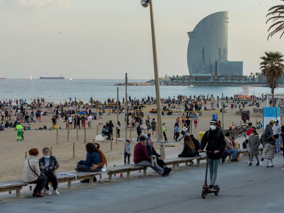 La playa de Barcelona durante la Semana Santa.