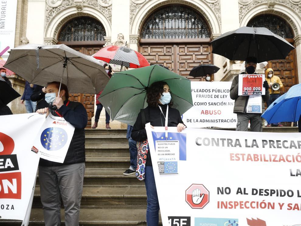 Protesta de interinos en Zaragoza.