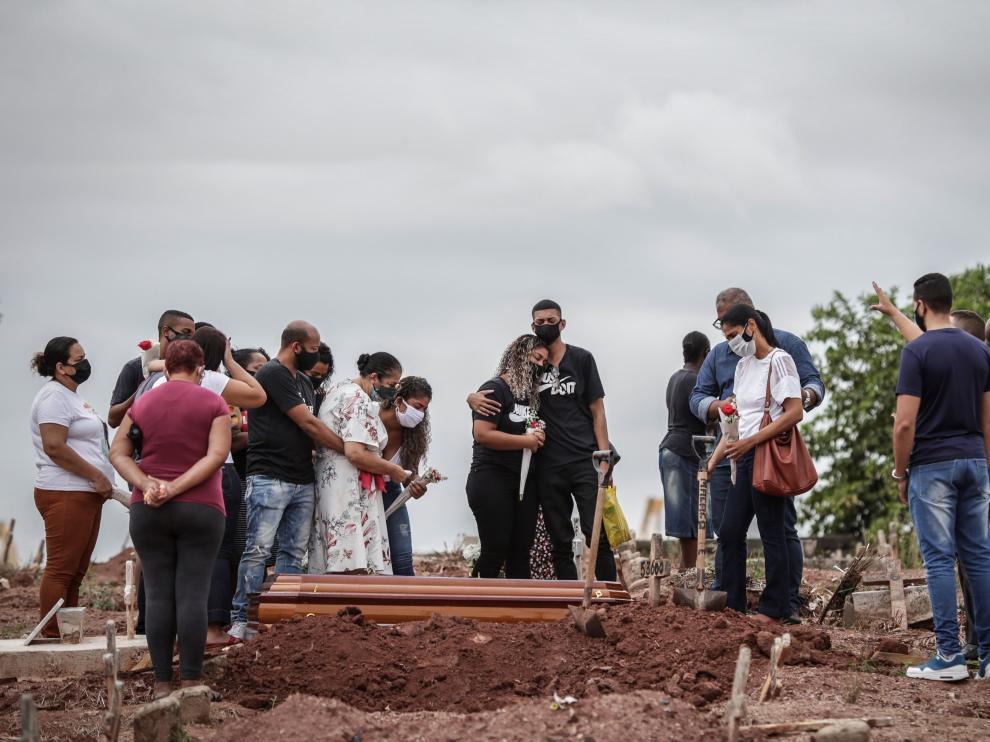 Brasil alcanza 3.808 muertos por covid-19 en las ultimas 24 horas