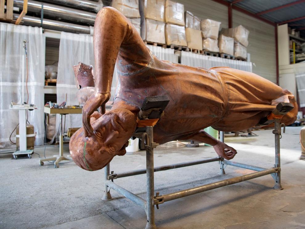 Resturación de las estatuas de bronce de la Catedral de Notre-Dame de Paris
