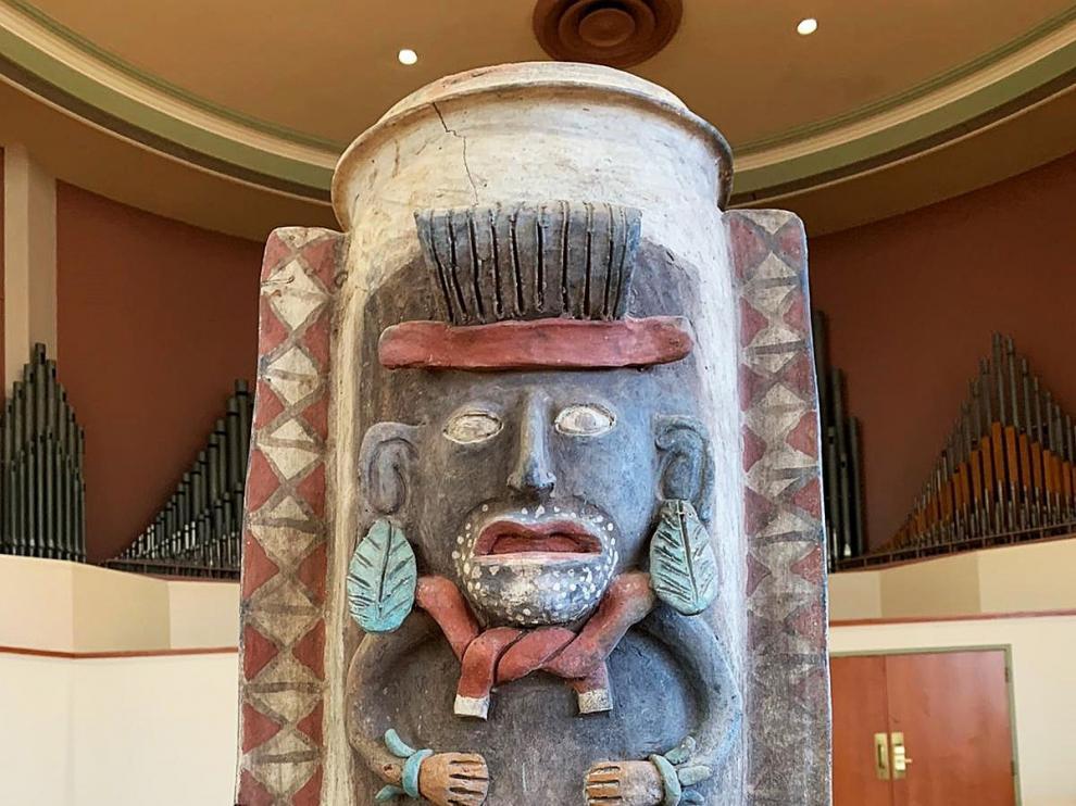 México recupera una urna maya elaborada entre 900-1600 d.C. que estaba en EE. UU.