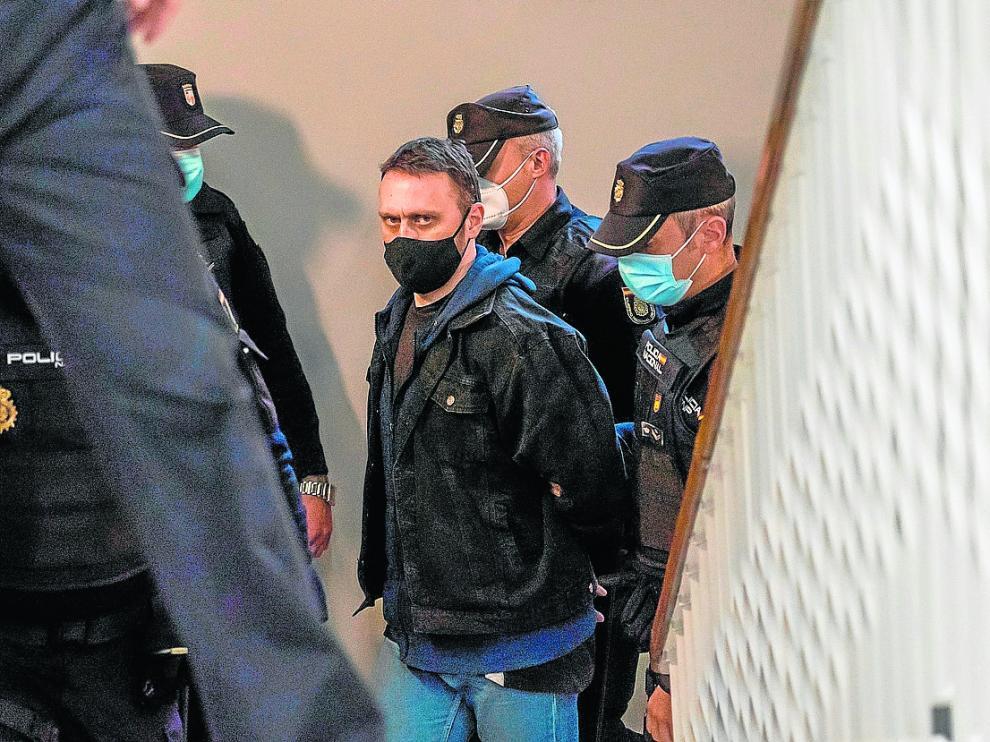 Igor el Ruso no rehúye nunca el objetivo de las cámaras. A su llegada este jueves a Teruel, tampoco lo hizo.