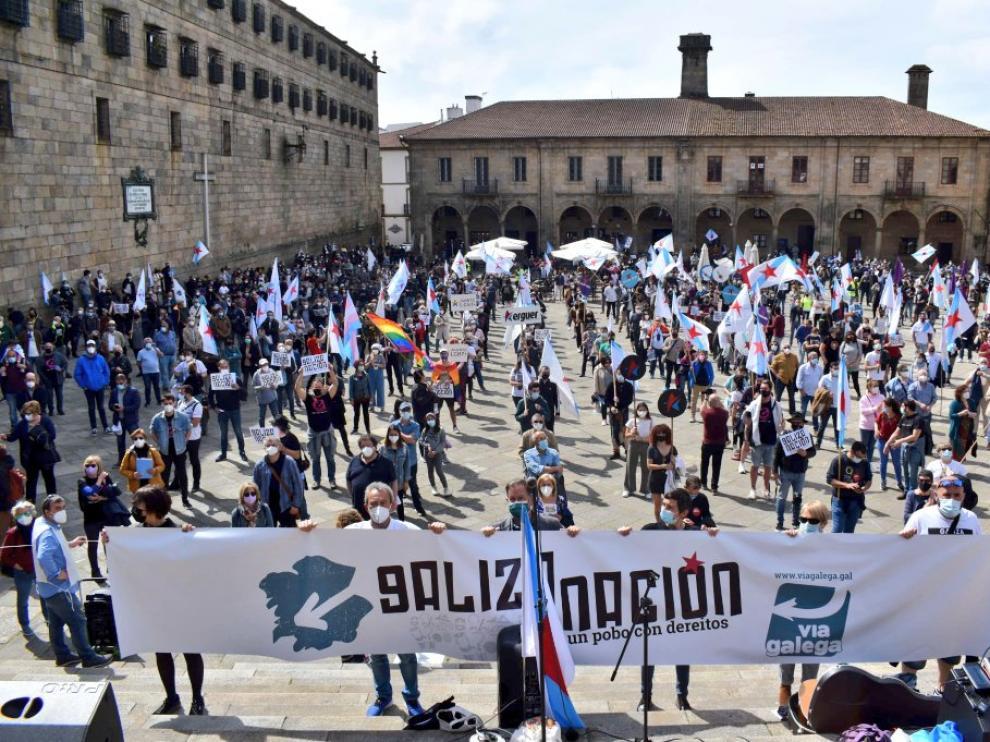"""Multitudinaria manifestación en Galicia por el """"derecho a decidir"""" como """"nación""""."""