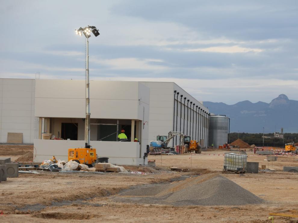 La construcción del centro de datos avanza conforme a lo previsto, de manera que la obra civil del edificio acabará en otoño.