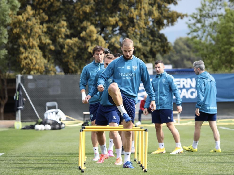 Jorge Pulido, durante el entrenamiento de este martes con la SD Huesca.