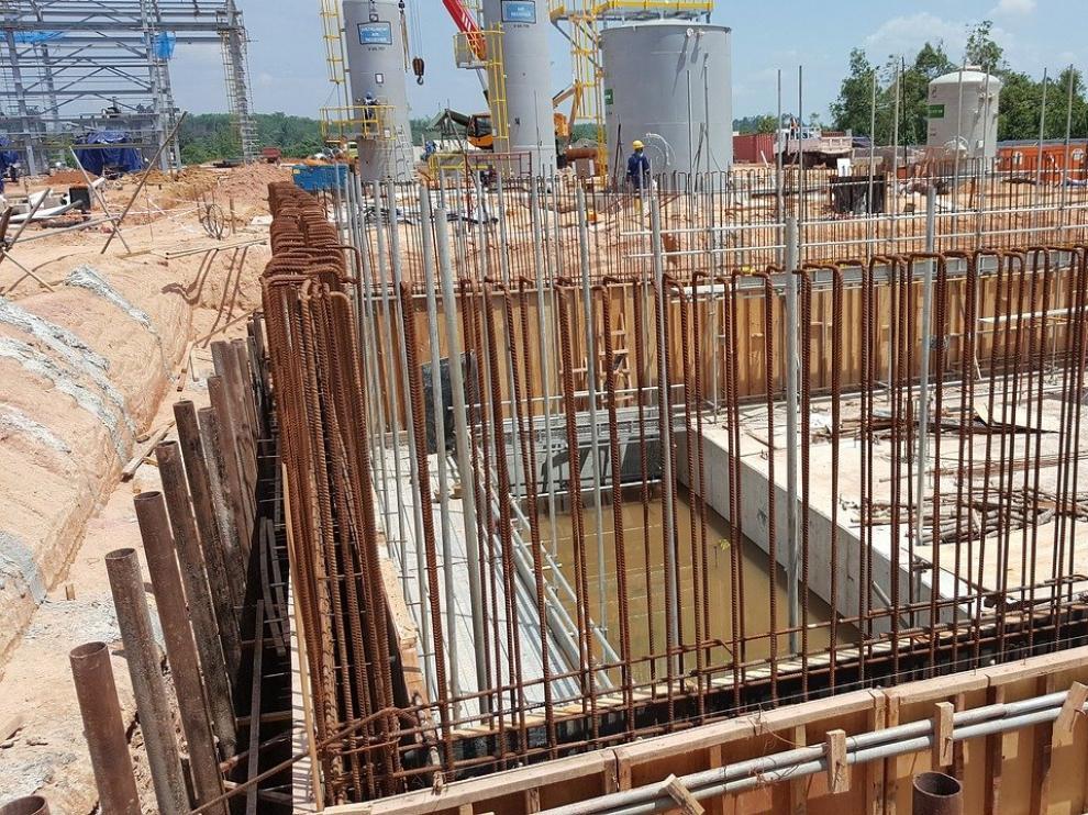 Obra de ingeniería civil, uno de los sectores que presenta mayores expectativas de crecimiento para este año 2021.