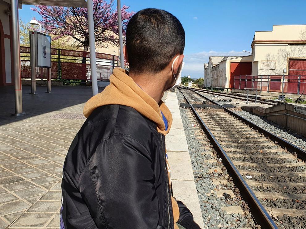 Oussama abandonó con 16 años su ciudad natal, en Marruecos, montado en una patera.