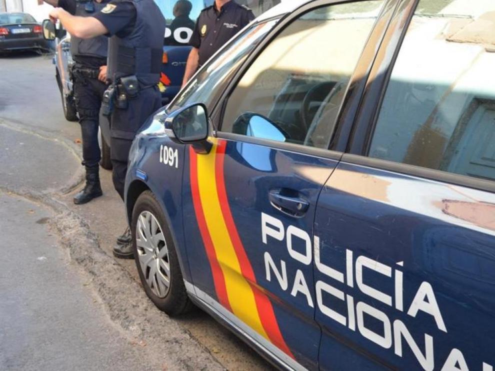 Patrulla de la Policía Nacional en las calles de Teruel.