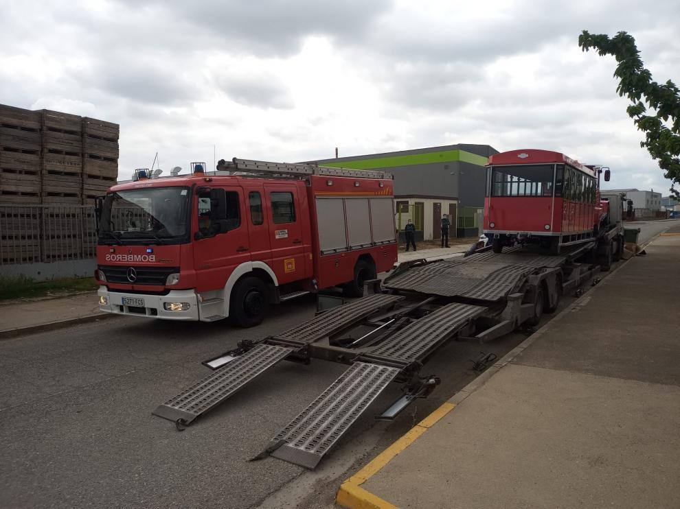 El accidente se ha producido cuando se procedía a descargar el tren turístico de este camión.