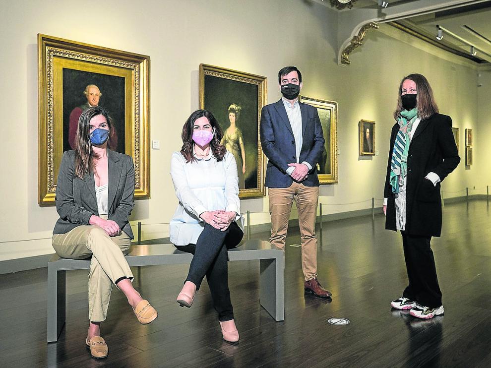 De izquierda a derecha, María Bellosta, Silvia Plaza, David Lozano y Ana Bendicho, en el Museo Goya