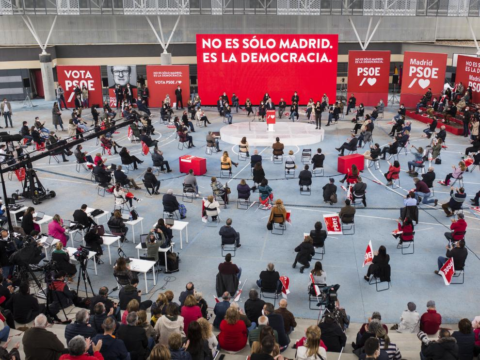 Acto de campaña del PSOE en un polideportivo de Getafe