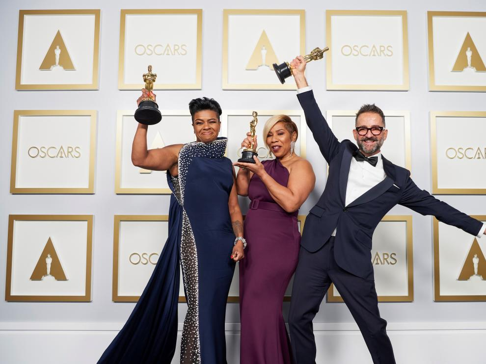 Jaime Baksht, Carlos Cortes, Phillip Bladh, and Michelle Couttolenc, accept the Oscar for Sound during the live ABC Telecast of The 93rd Oscars in Los Angeles, California, U.S., April 25, 2021. Todd Wawrychuk/A.M.P.A.S./Handout via REUTERS ATTENTION EDITORS. THIS IMAGE HAS BEEN SUPPLIED BY A THIRD PARTY. NO MARKETING OR ADVERTISING IS PERMITTED WITHOUT THE PRIOR CONSENT OF A.M.P.A.S AND MUST BE DISTRIBUTED AS SUCH. MANDATORY CREDIT. NO RESALES. NO ARCHIVES[[[REUTERS VOCENTO]]] AWARDS-OSCARS/