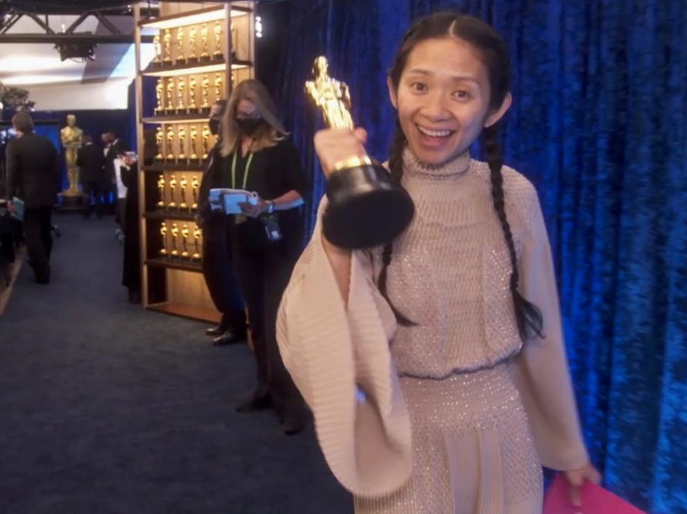 Chloé Zhao, tras recibir el Oscar a la mejor dirección por 'Nomadland'