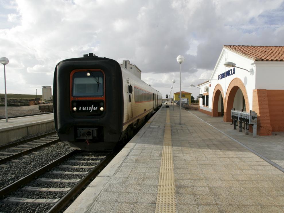 Estacion de tren de Ferreruela de Huerva. foto Antonio Garcia 21-10-08[[[HA ARCHIVO]]]