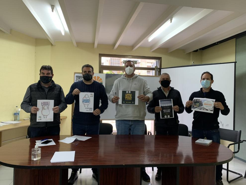 Los representantes de UAGA y UPA, en la presentación de la movilización del día 29 en Huesca.