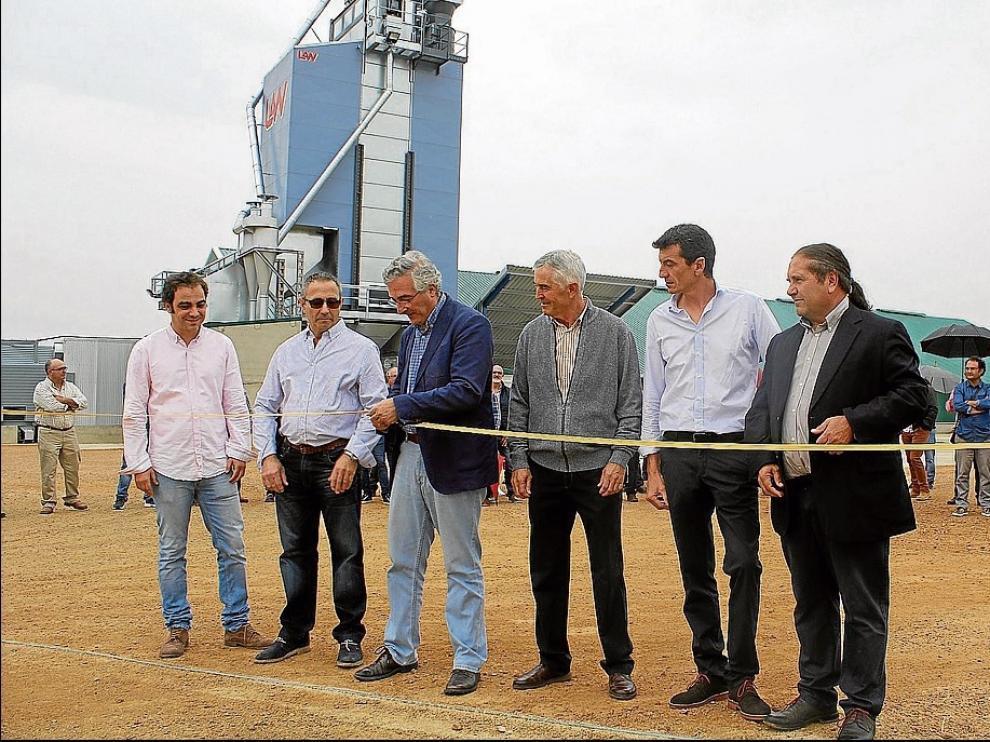 Inauguración en 2017 del secadero de la cooperativa de Montesusín, uno de los proyectos subvencionados por el Leader.