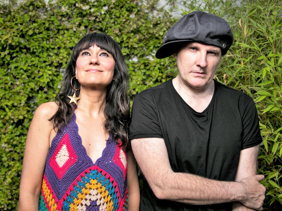 El dúo aragonés Amaral actuará en la Cartuja de la Fuentes en acústico con banda.