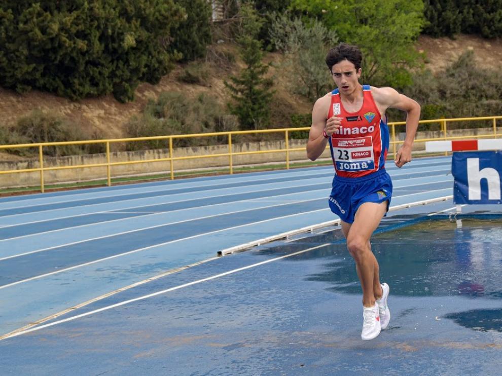 Pol Oriach debutó en los 3.000 obstáculos el día en que su padre Carlos colgaba las zapatillas.
