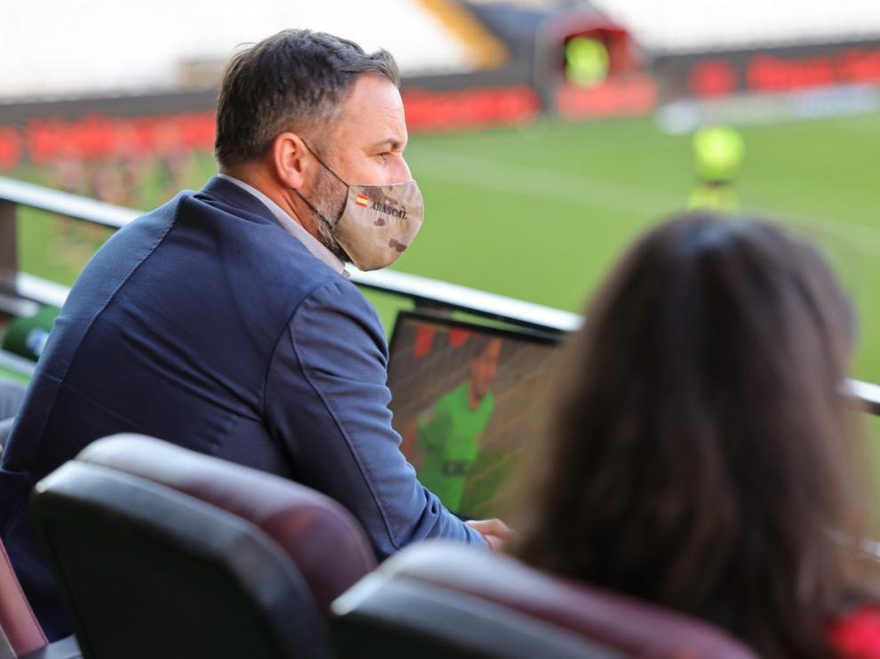 Una imagen de Santiago Abascal y Rocío Monasterio en el palco del estadio durante el partido disputado este lunes entre el Rayo Vallecano y el Albacete.