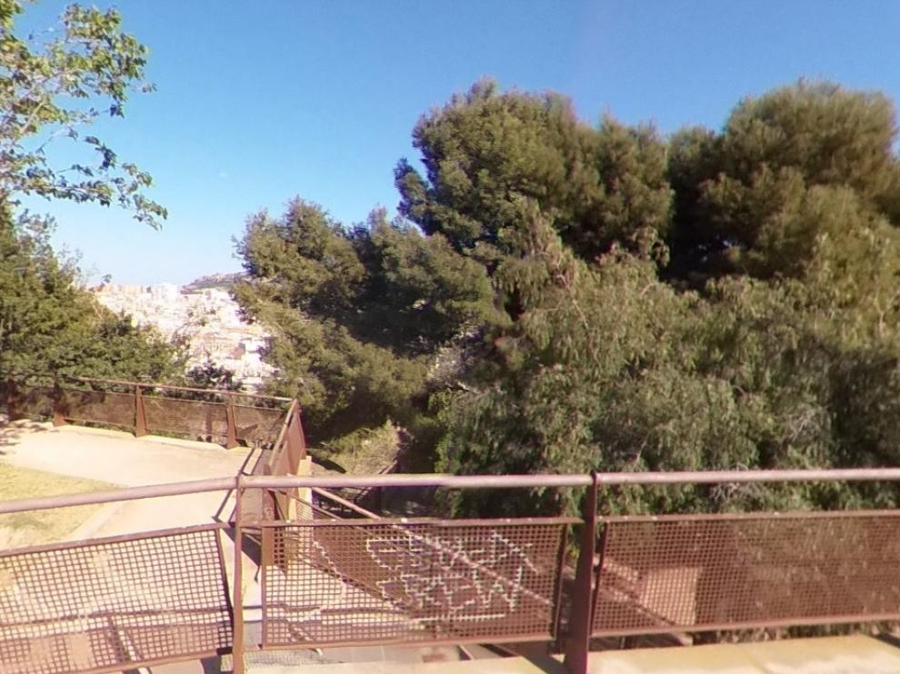 Los hechos ocurrieron en febrero pasado, cuando la víctima estaba en una zona de pinos del Parque Tossal de Alicante.