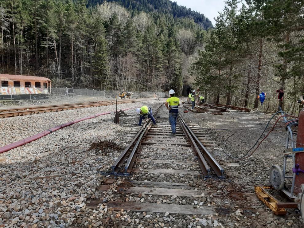 Los trabajos han comenzado esta semana con la retirada de las vías.