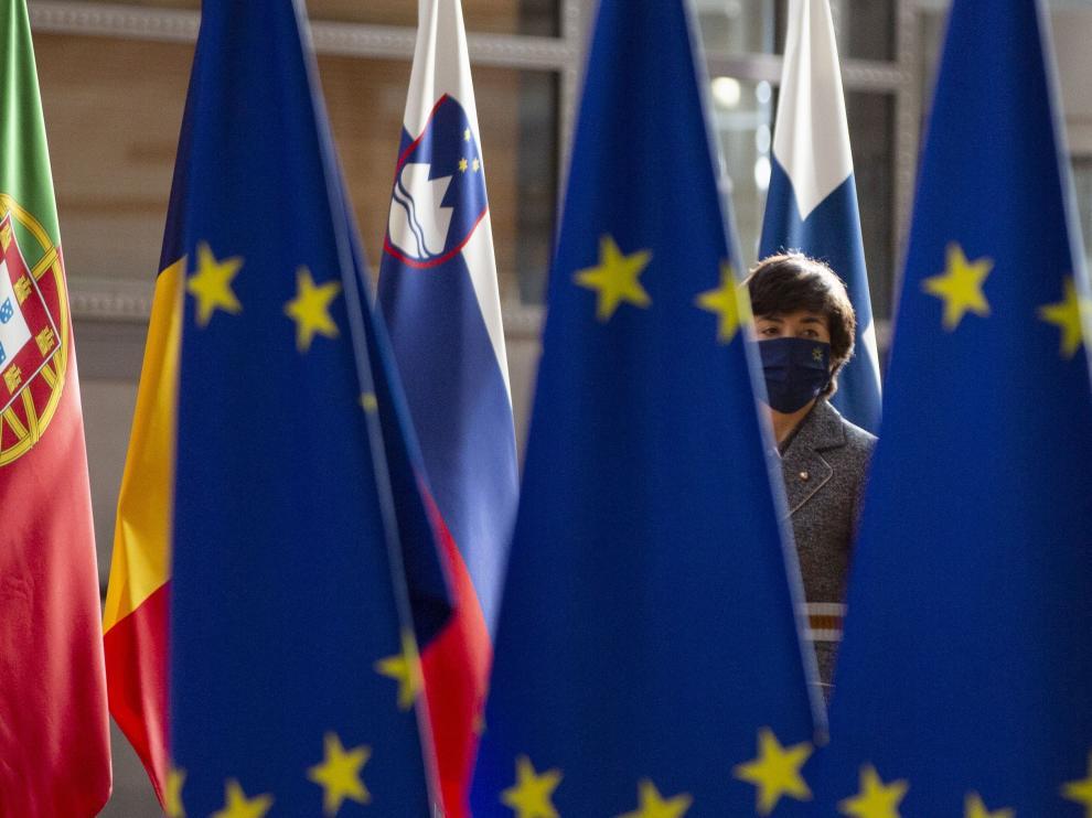 Banderas europeas durante una reunión de la UE.