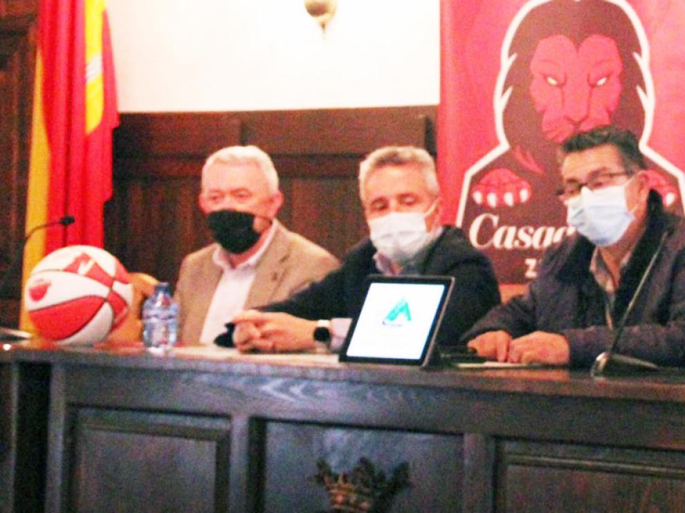 Presentación del campus de baloncesto en Albarracín.