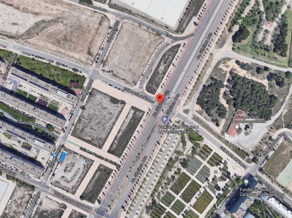 El choque se produjo en el cruce entre la avenida del Séptimo Arte y la calle Isla del Tesoro.