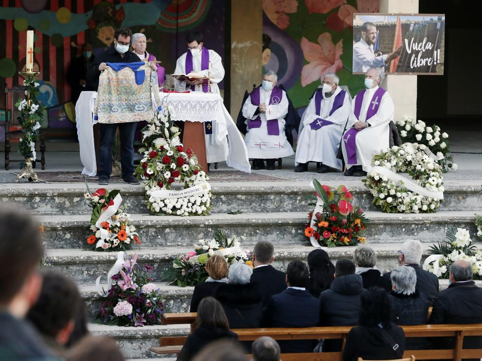 Funeral por David Beriain en Artajona, Navarra