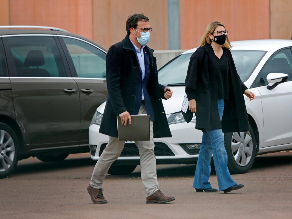 Josep Rius y Elsa Artadi de JxCat, a su llegada a la cárcel de Lledoners el pasado martes.