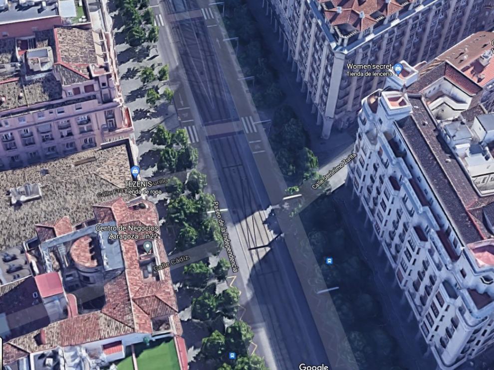 Cruce del paseo de la Independencia con la calle Zurita.