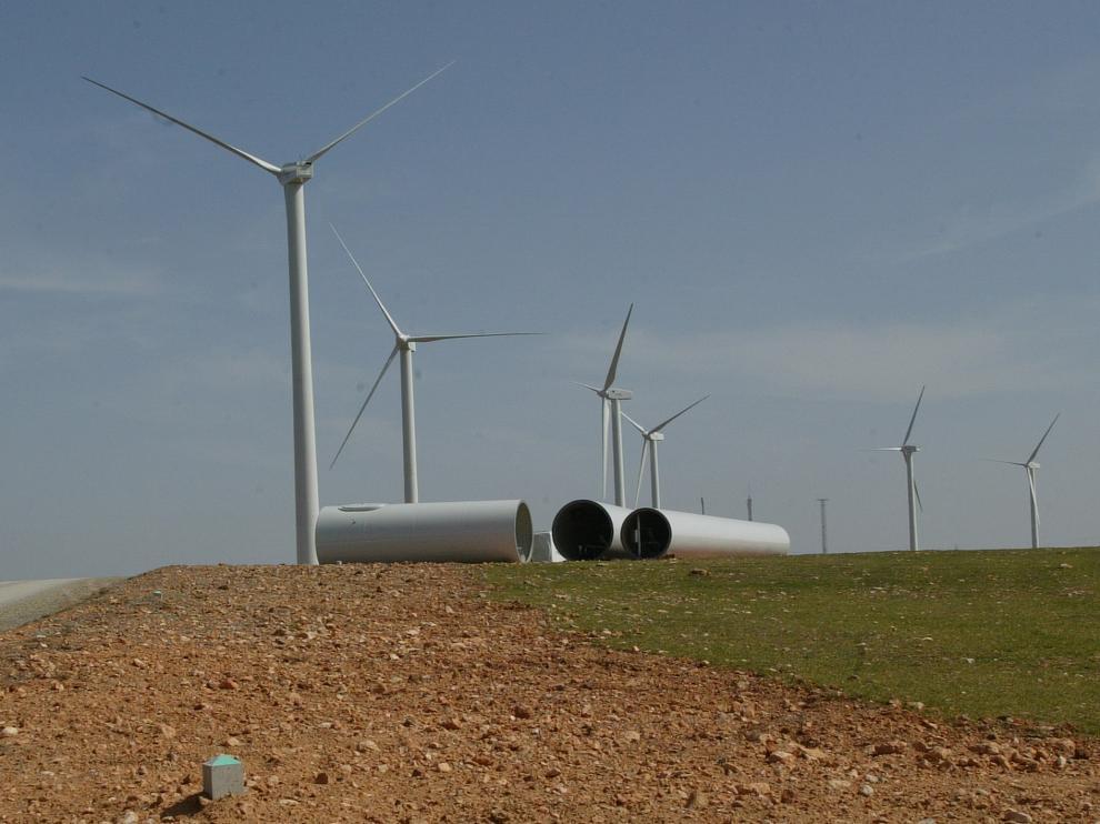 Nuevo campo de aerogeneradores en Mezquita de Jarque. Foto Antonio Garcia. 14-03-07[[[HA ARCHIVO]]]