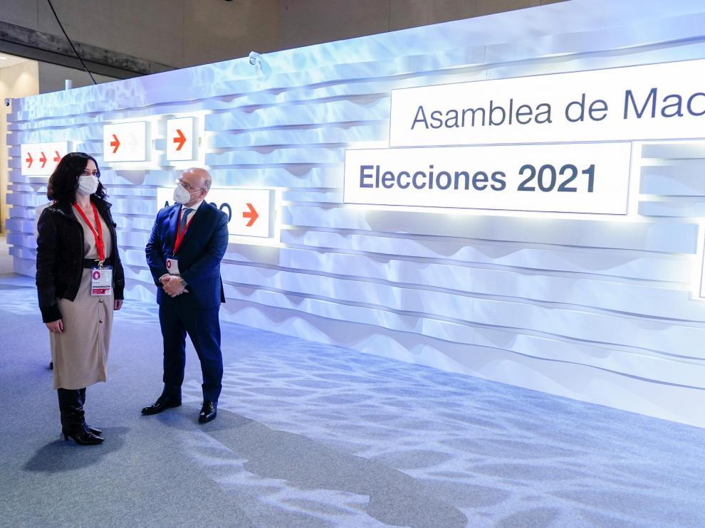 Ayuso visita Centro de Procesamiento y Difusión de Datos para las elecciones del 4-M