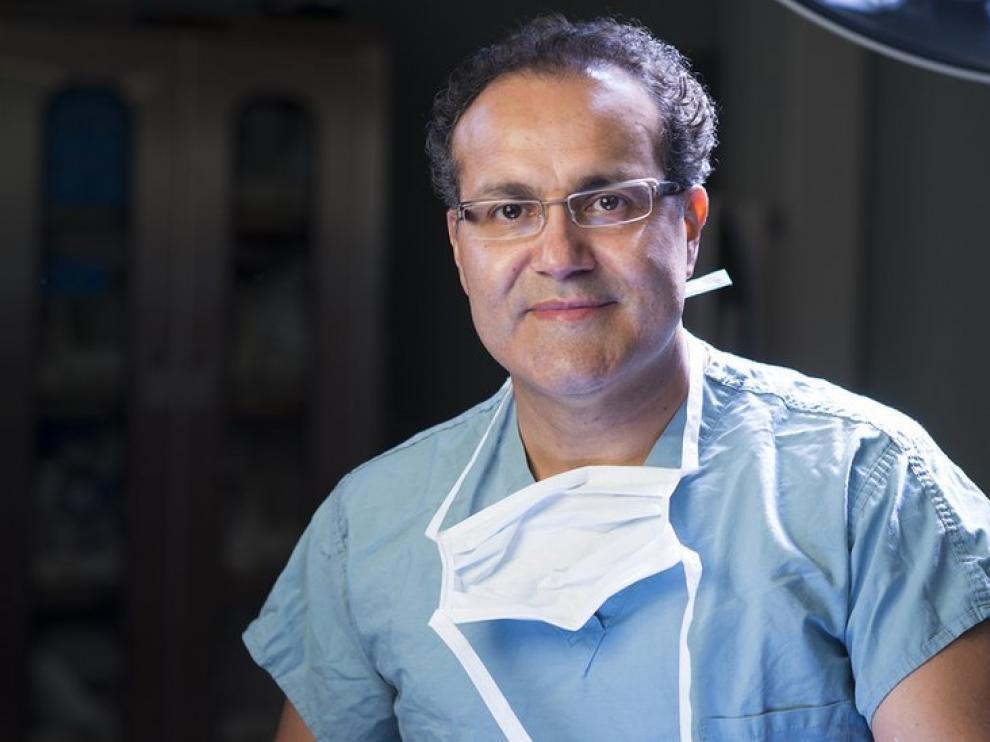 El neurocirujano mexicano Alfredo Quiñones-Hinojosa, conocido como Doctor Q.