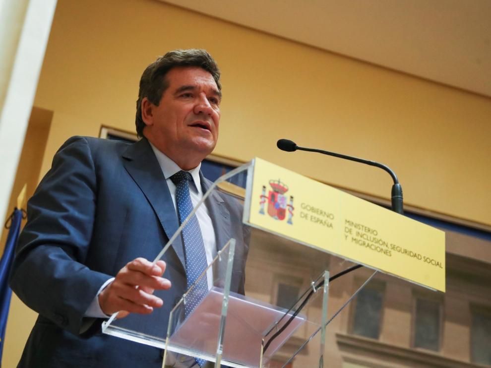 Acuerdo de colaboración firmado entre el Ministerio de Inclusión, AMAT y la Fundación CEOE