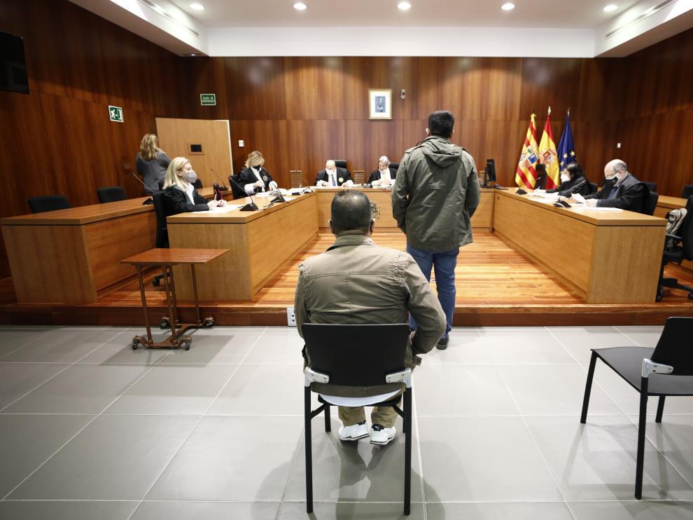 Los dos acusados, durante el juicio celebrado en la Audiencia de Zaragoza.