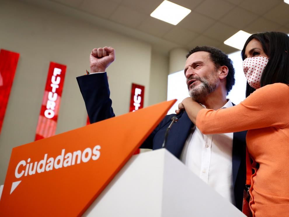 El candidato de Ciudadanos a la presidencia de la Comunidad de Madrid, Edmundo Bal, se dispone a ofrecer una rueda de prensa en la sede de su formación