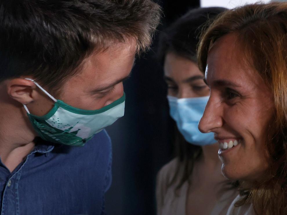 Íñigo Errejón junto a Mónica García
