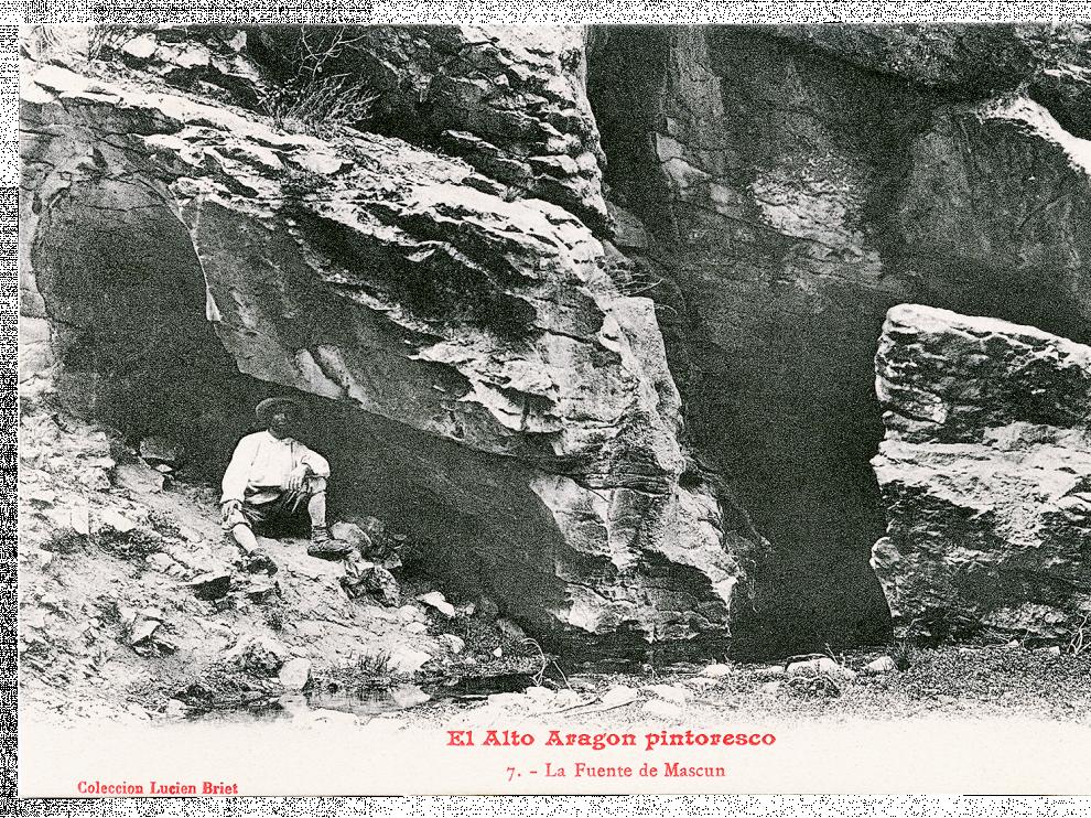 Luicen Briet en la fuente de Mascún.