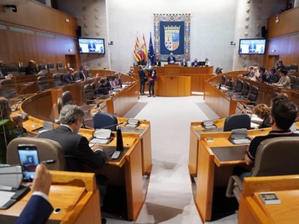 Imagen del pleno de las Cortes que celebra este jueves