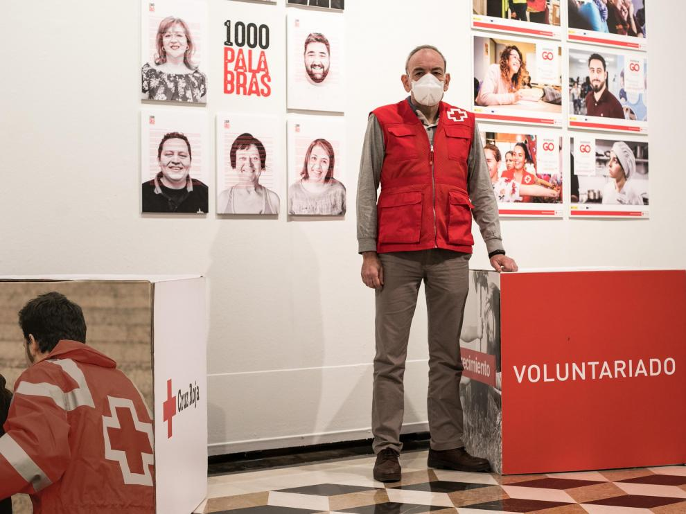 Carlos Cebolla, voluntario de Cruz Roja en Zaragoza desde 1980.