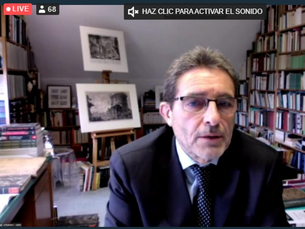 El catedrático zaragozano Francisco Pina Polo, nombrado este viernes Doctor Honoris Causa por la Universidad de Budapest.