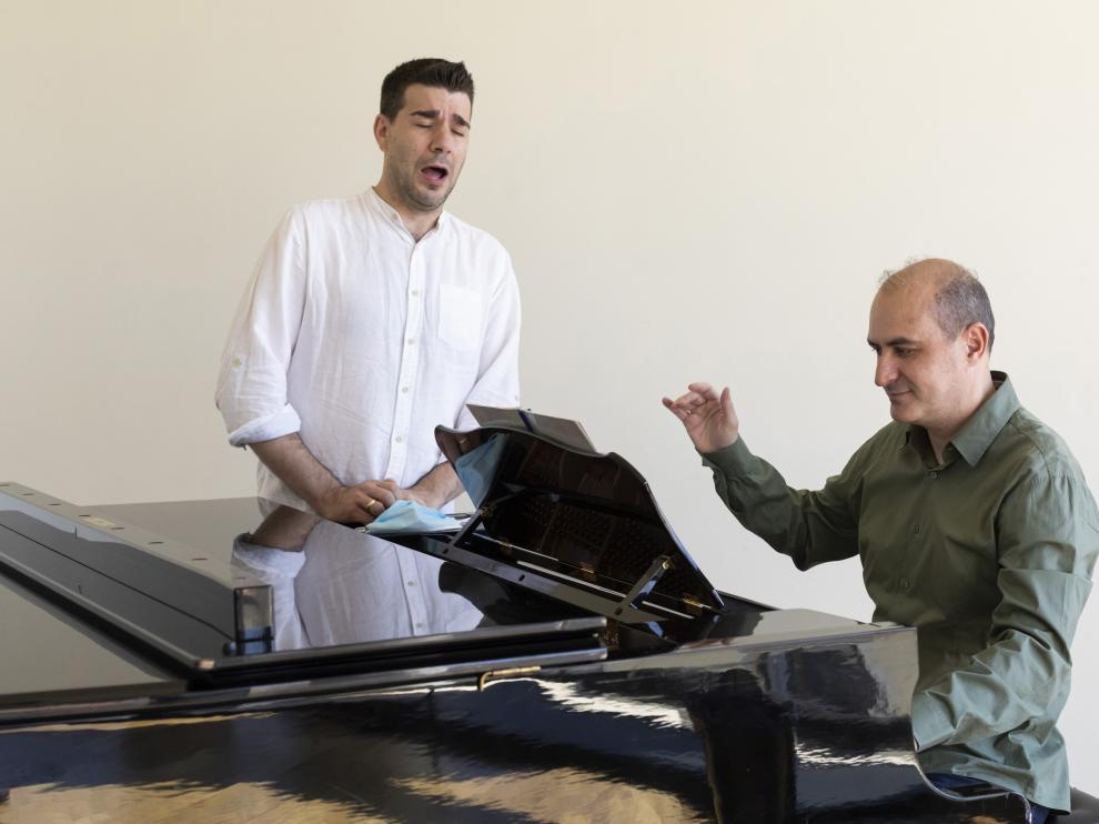 Isaac Galán y Jesús Torres, en el ensayo del jueves pasado en el Teatro Real de Madrid