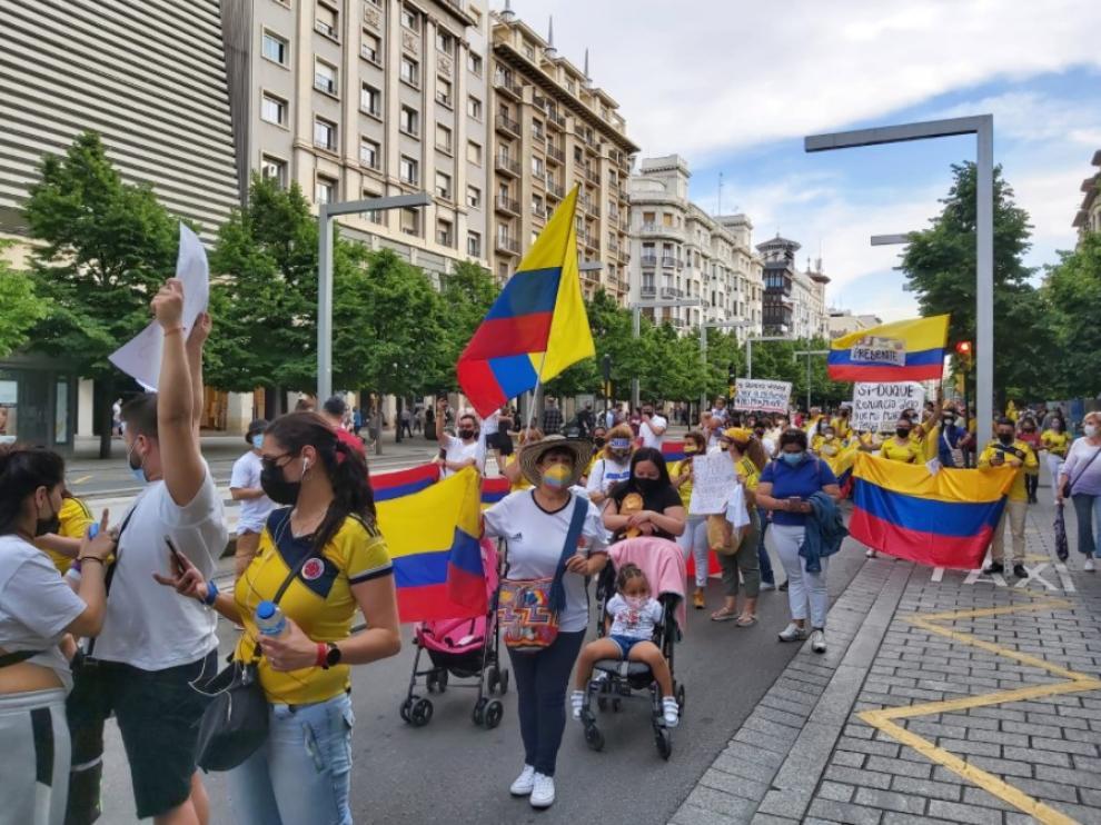 Una imagen de la marcha en el paseo de la Independencia.