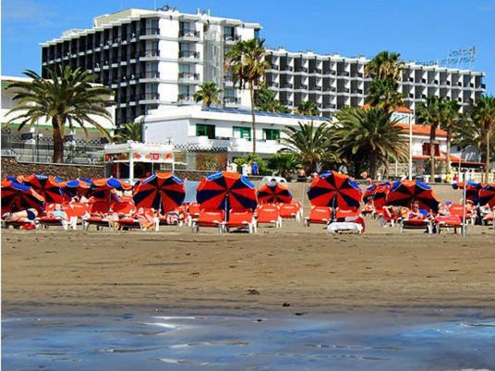 Imagen de archivo de un hotel en una playa de Gran Canaria.
