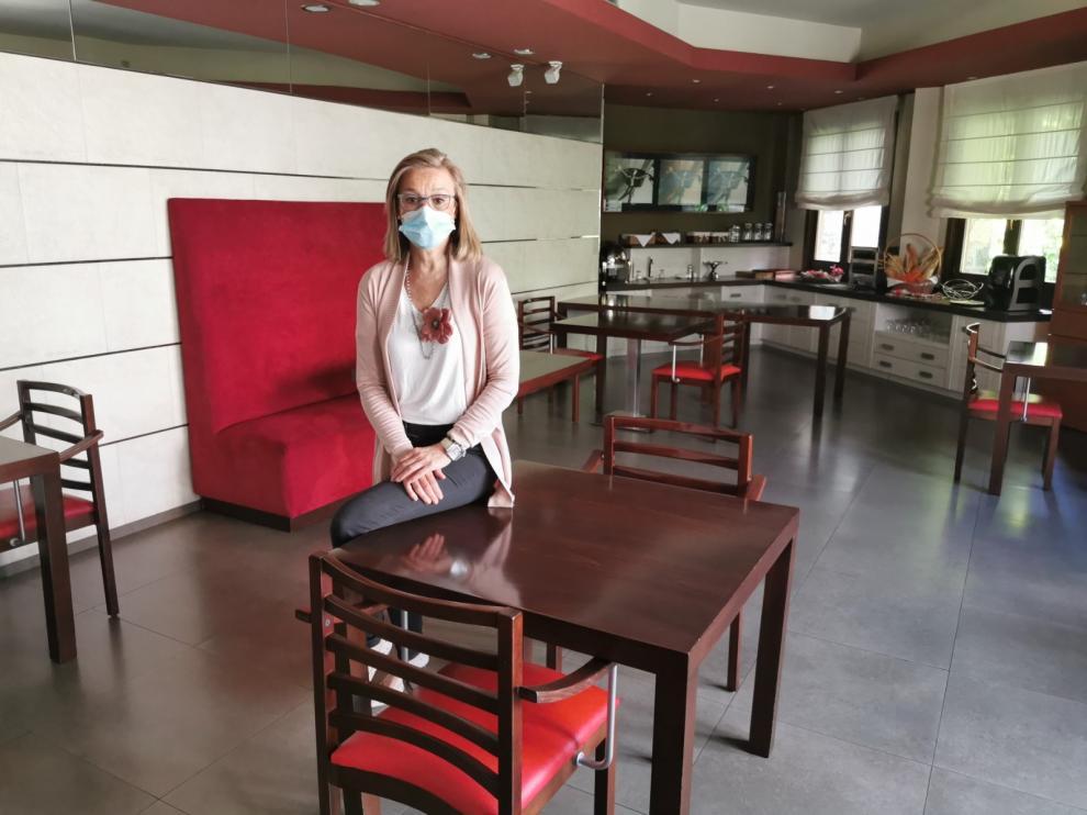 Anabel Costas, en su hotel El Privilegio, en Tramacastilla de Tena.