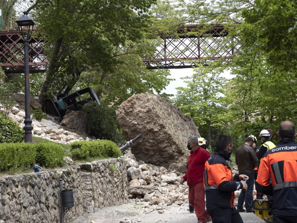 El corrimiento de tierra arrastró rocas y tejas, sin que se produjeran heridos