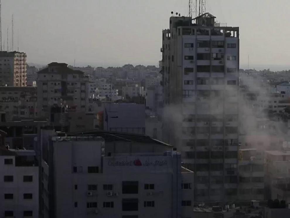 Israel derriba una cuarta torre en Gaza