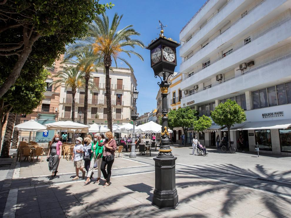 El primer reloj farola de España, de 1853, vuelve a dar la hora
